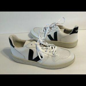 Veja 10 Low Top Tennis Sneakers White/Black 11
